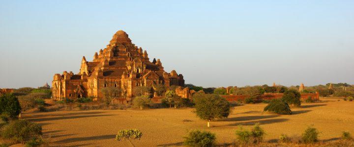 Zachód słońca w Bagan